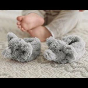 NWOT Pottery Barn Kids baby slippers
